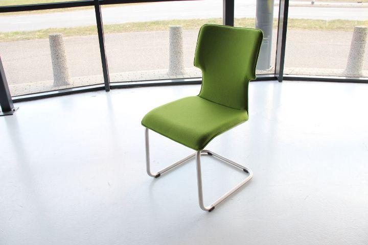 He design nick eetkamerstoel meertens meubelen for Betaalbare eetkamerstoelen