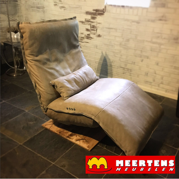 Indi loungechair