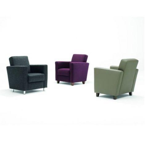 Romee Kay fauteuil