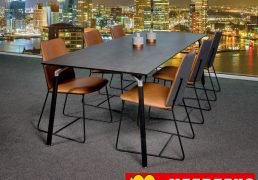 Bree´s New World eettafel Shape met eetkamerstoel City